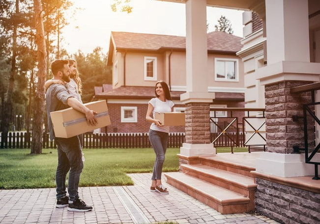 9 Helpful Moving Tips to Make Moving-In Easy