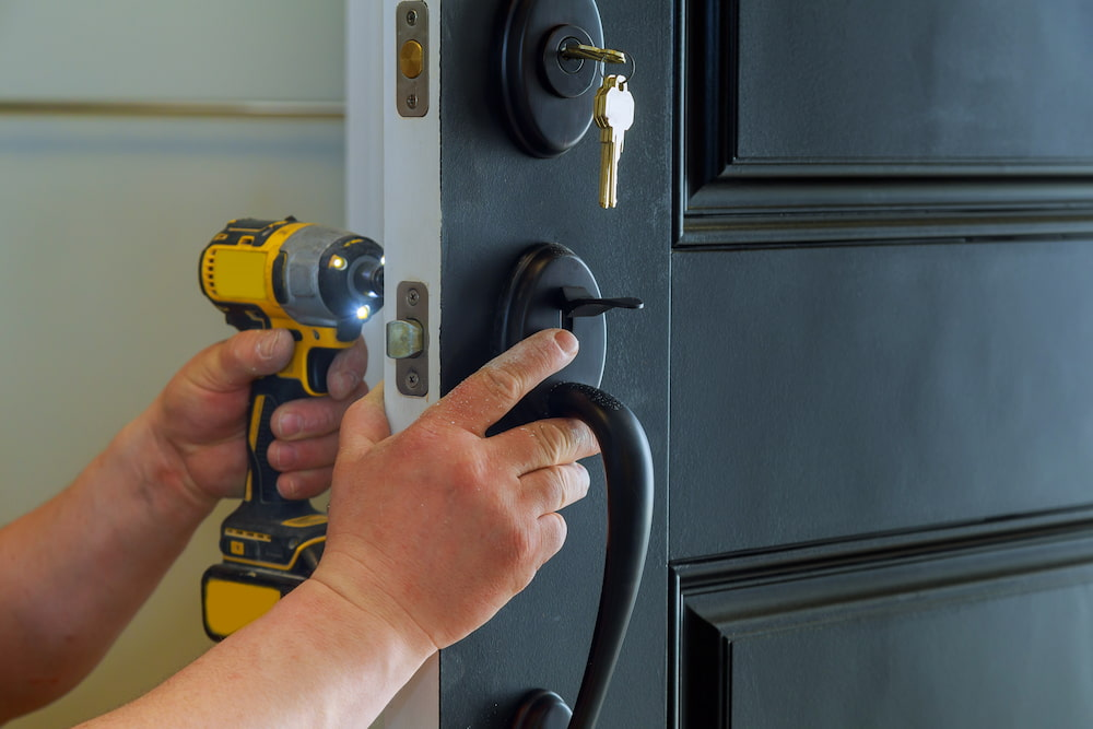 top moving tip- change your locks