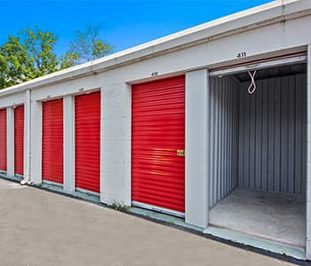 Open and closed storage units Gainesville fl