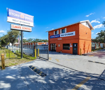 Store Space Self Storage facility at 12225 N 56th St A in Temple Terrace, FL 33617
