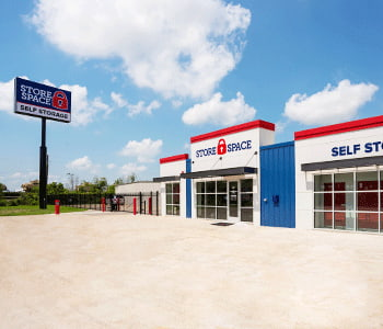 Photo of the Store Space facility located at 260 I-10 Frontage Rd