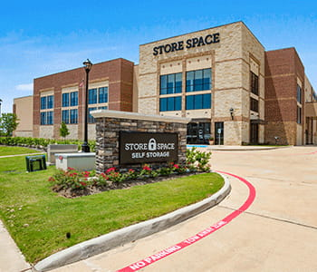 Store space self storage at 4815 LJ Pkwy in Sugar land Tx 77479