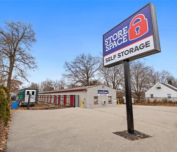 Store Space self storage at 1359 W ohio pike in Amelia oh 45102