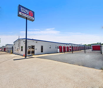 Photo of the Store Space facility located at 3316 Hansboro Ave